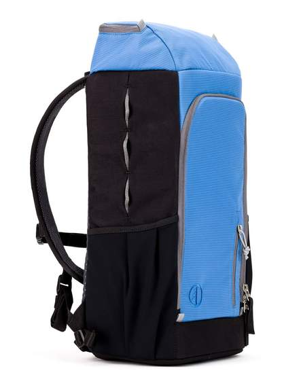 787b28bfaa87f Ultralekki plecak męski o dużej pojemności z systemem nośnym w rozmiarze S.  Waga plecaka to raptem 1,21kg.