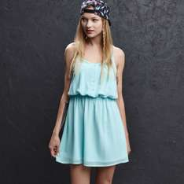 Sukienka 40zł taniej (dwa kolory, wszystkie rozmiary!) @ Cropp