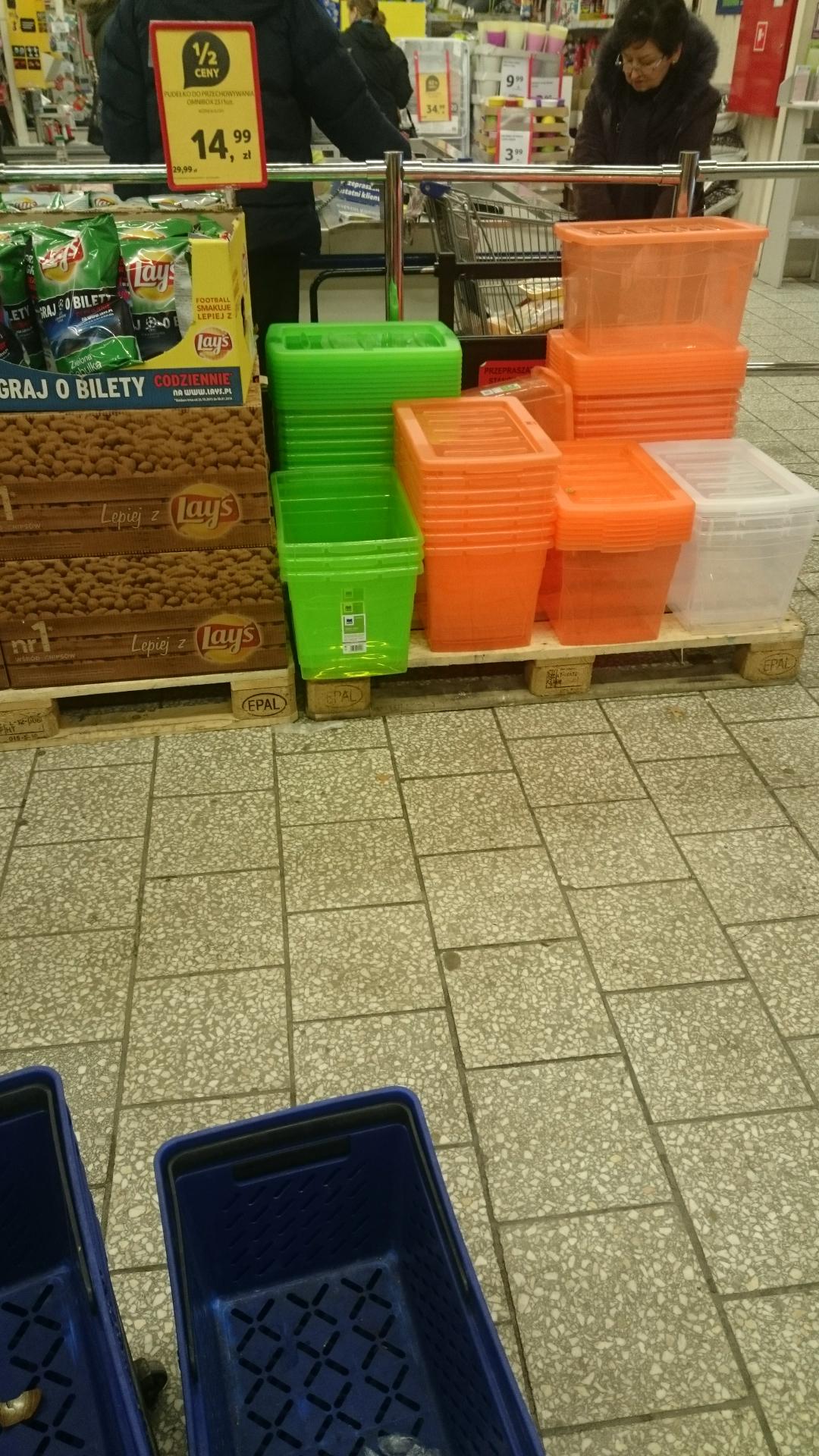 Plastikowe pudełko z pokrywa za 15 zł @Tesco
