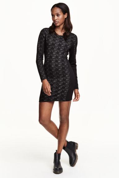 Dżersejowa sukienka za 30zł + darmowa dostawa @ H&M