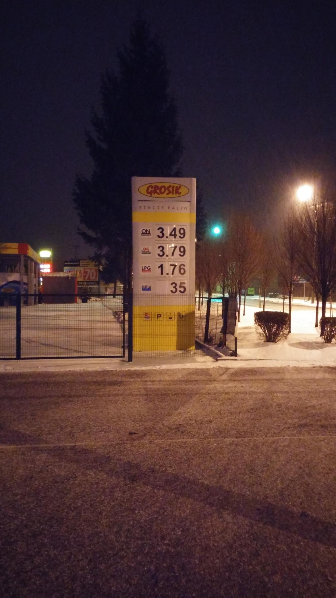 Paliwa ON 3.49 Pb95 3.79 Stacja Grosik