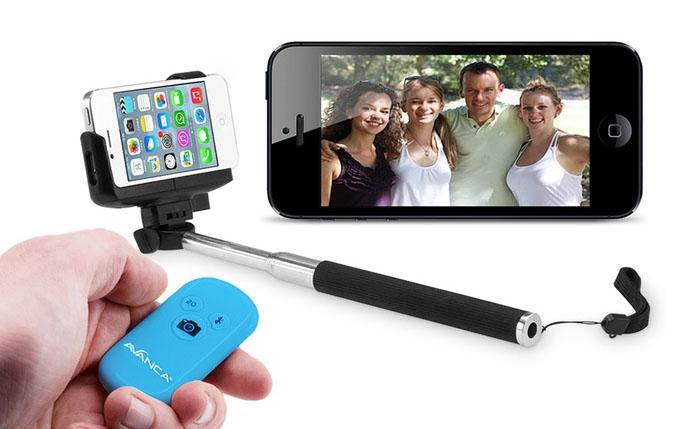 Gadżety do robienia tzw. selfie – uchwyt do smartfona + pilot na Bluetooth (do -68%)