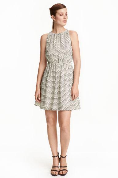 Letnia sukienka za 31,12zł + dostawa gratis (prawie 100zł taniej, pełna rozmiarówka) @ H&M