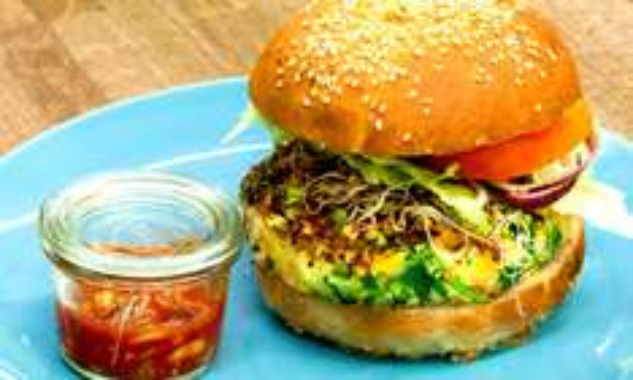 11,99zł za burgera z frytkami 39% taniej (Burger Poznański) @ Groupon