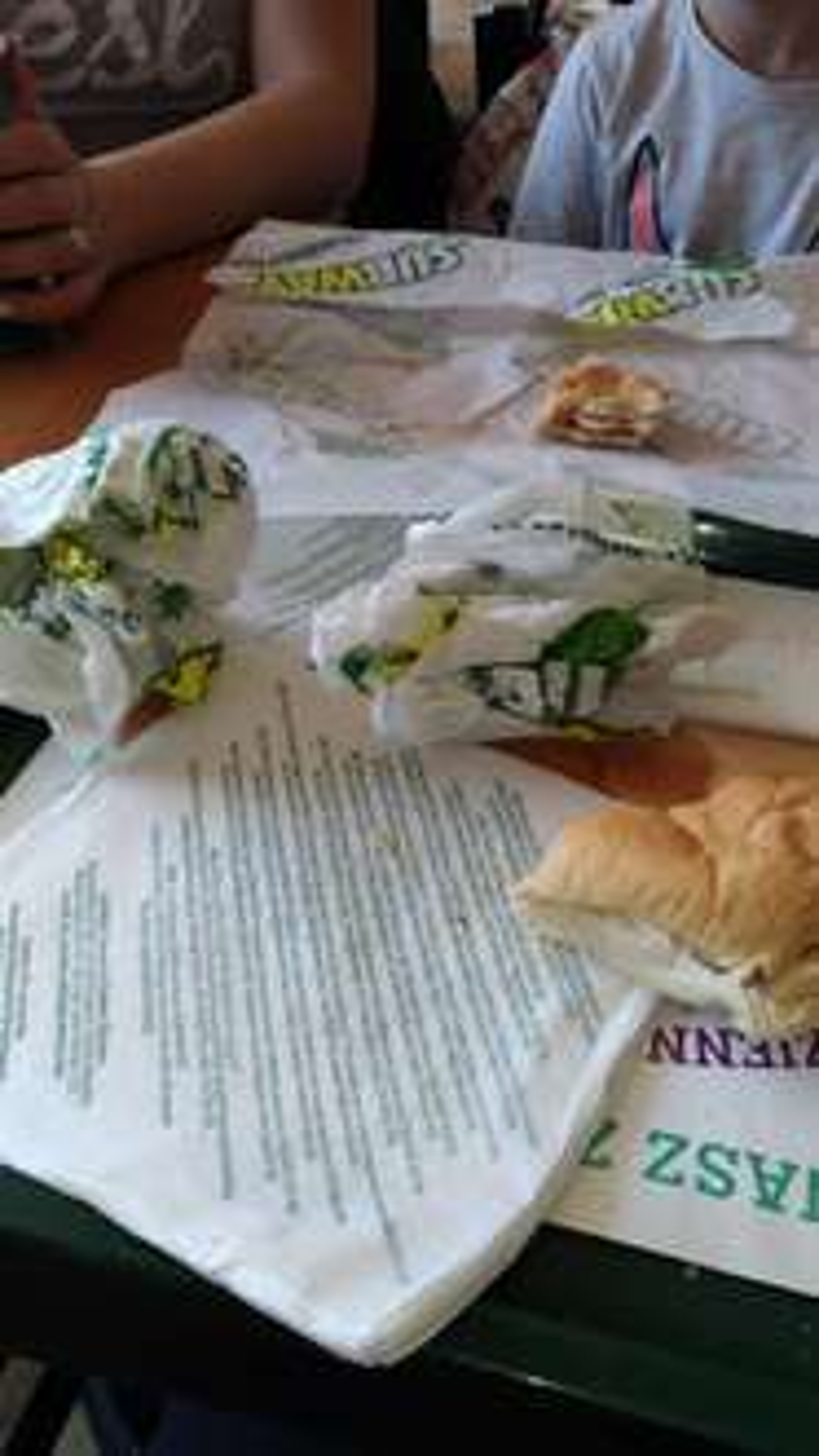 8,99 za 15 cm kanapke i 11,99 za 30 cm kanapkę, dodatkowo dolewka w Subwayu @Groupon