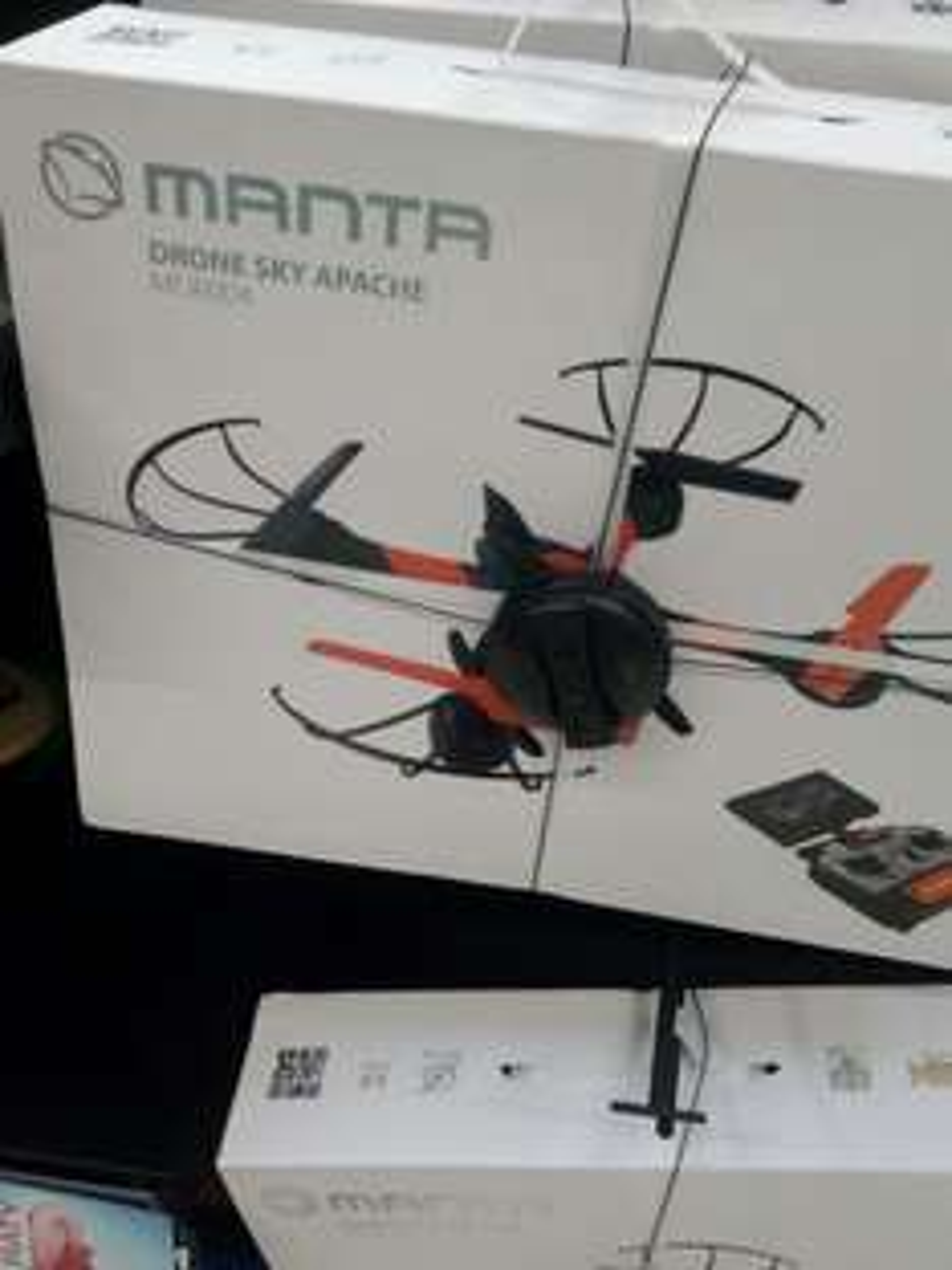 Dron Sky Apache MDR 004 @Carrefour z 549zł