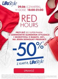 Przyjdź z czerwonym elementem stylizacji i skorzystaj z rabatu -50%* na jeden wybrany produkt @Super pharm