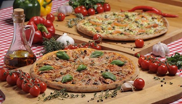 52% taniej w pizzerii Dominium @ MyDeal