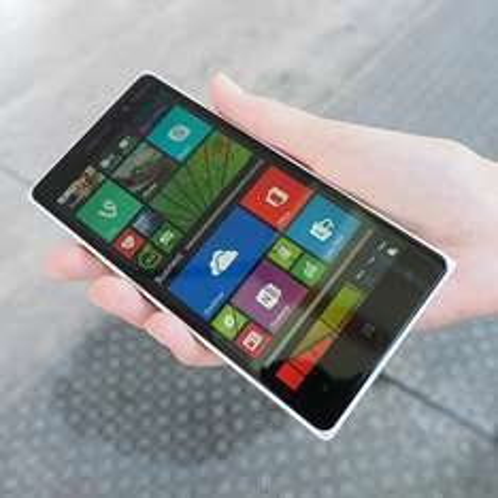 Smartfon Lumia 830 za 999zł @ X-Kom