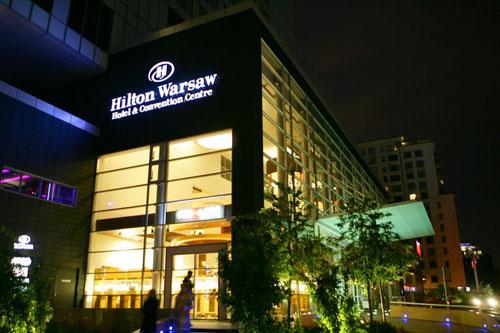 4* Hilton Warszawa za 173 zł ( – 40 % ) dla 2 os.