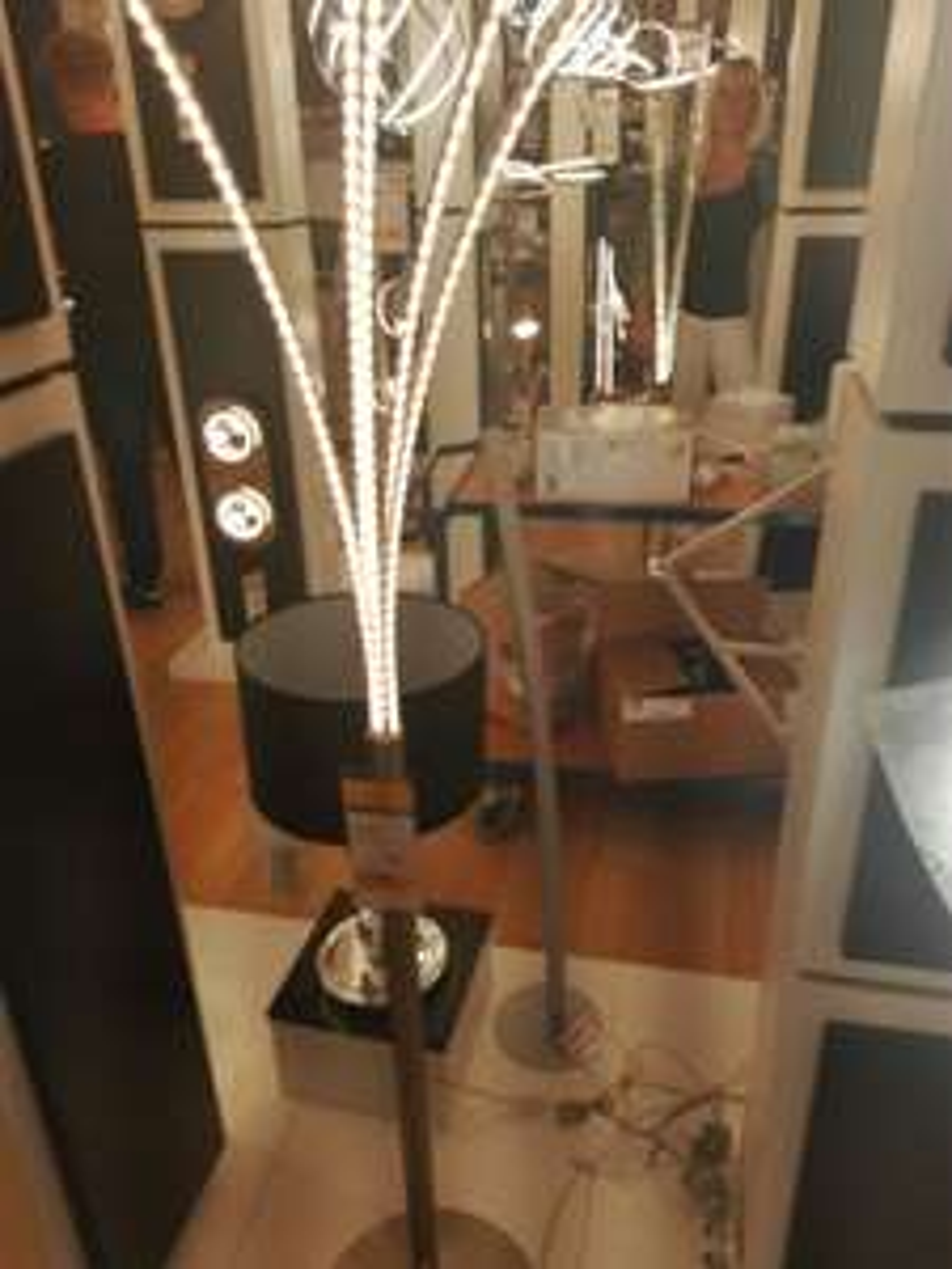 Lampa podłogowa Benett