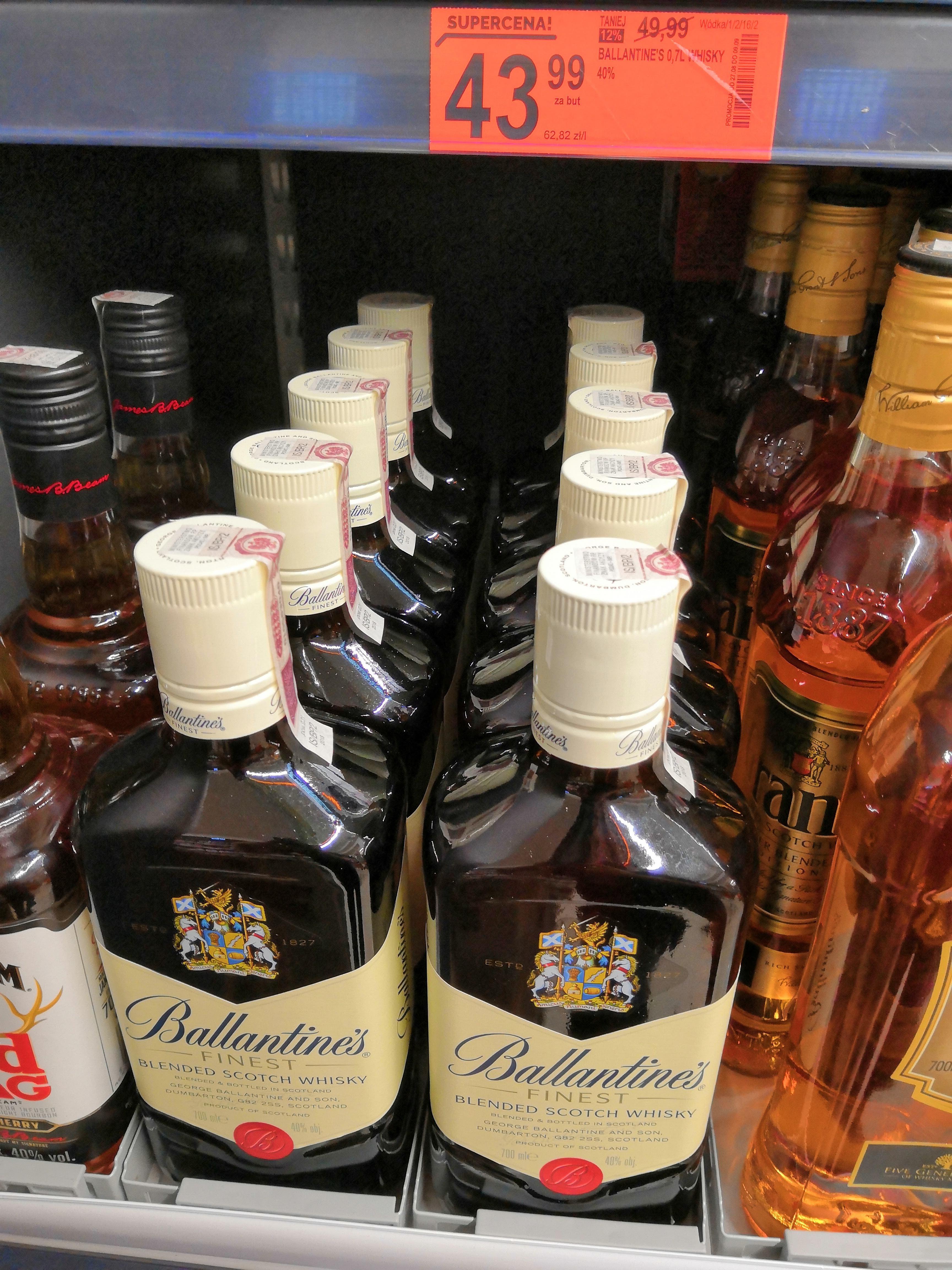 Whisky Ballantines 0,7l w Biedronce