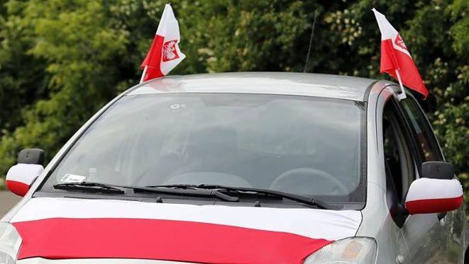 -90% na gadżety do auta kibica w TESCO