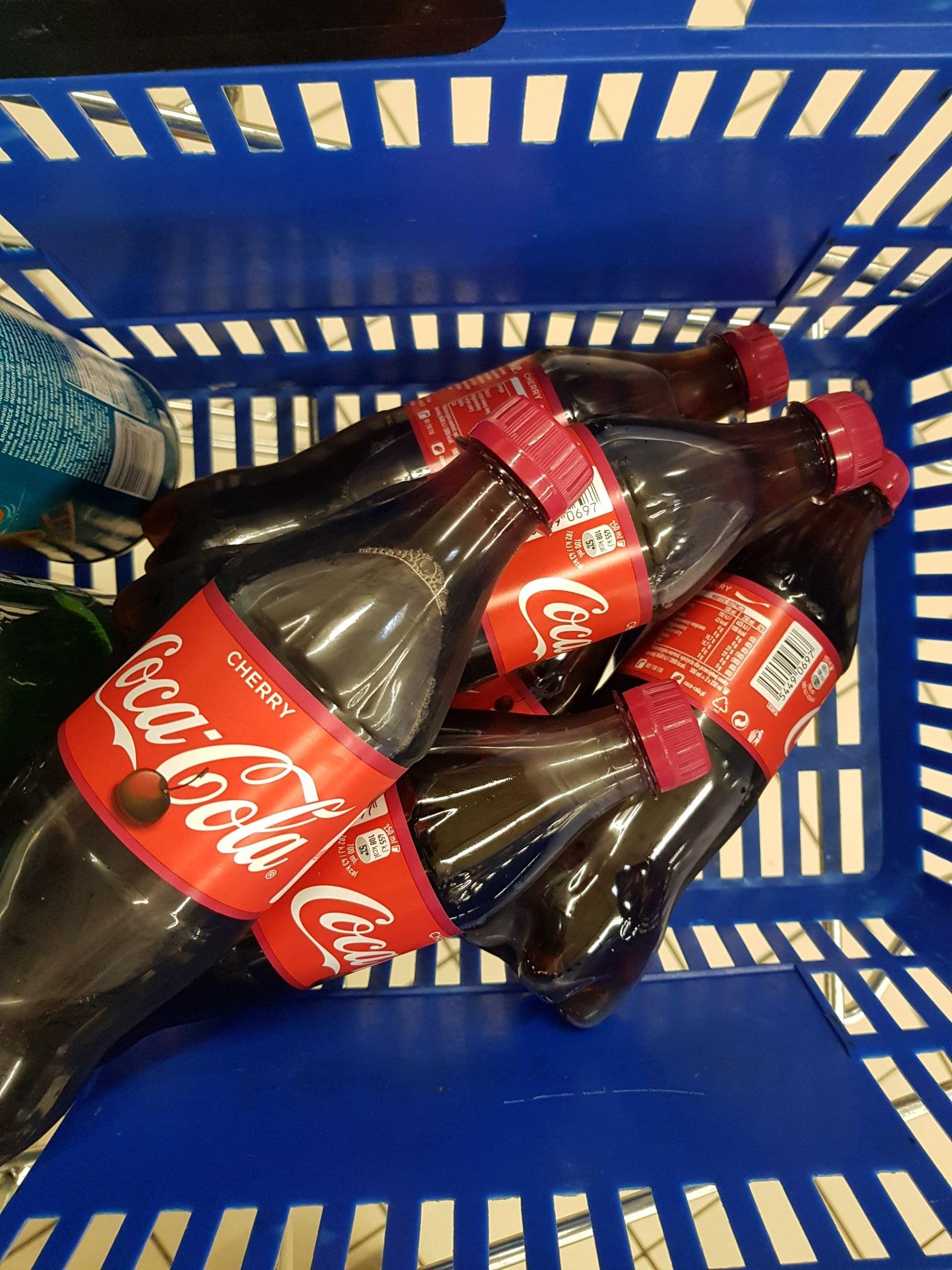 Coca-cola Cherry słodzona cukrem ŻYJE !!! Leclerc