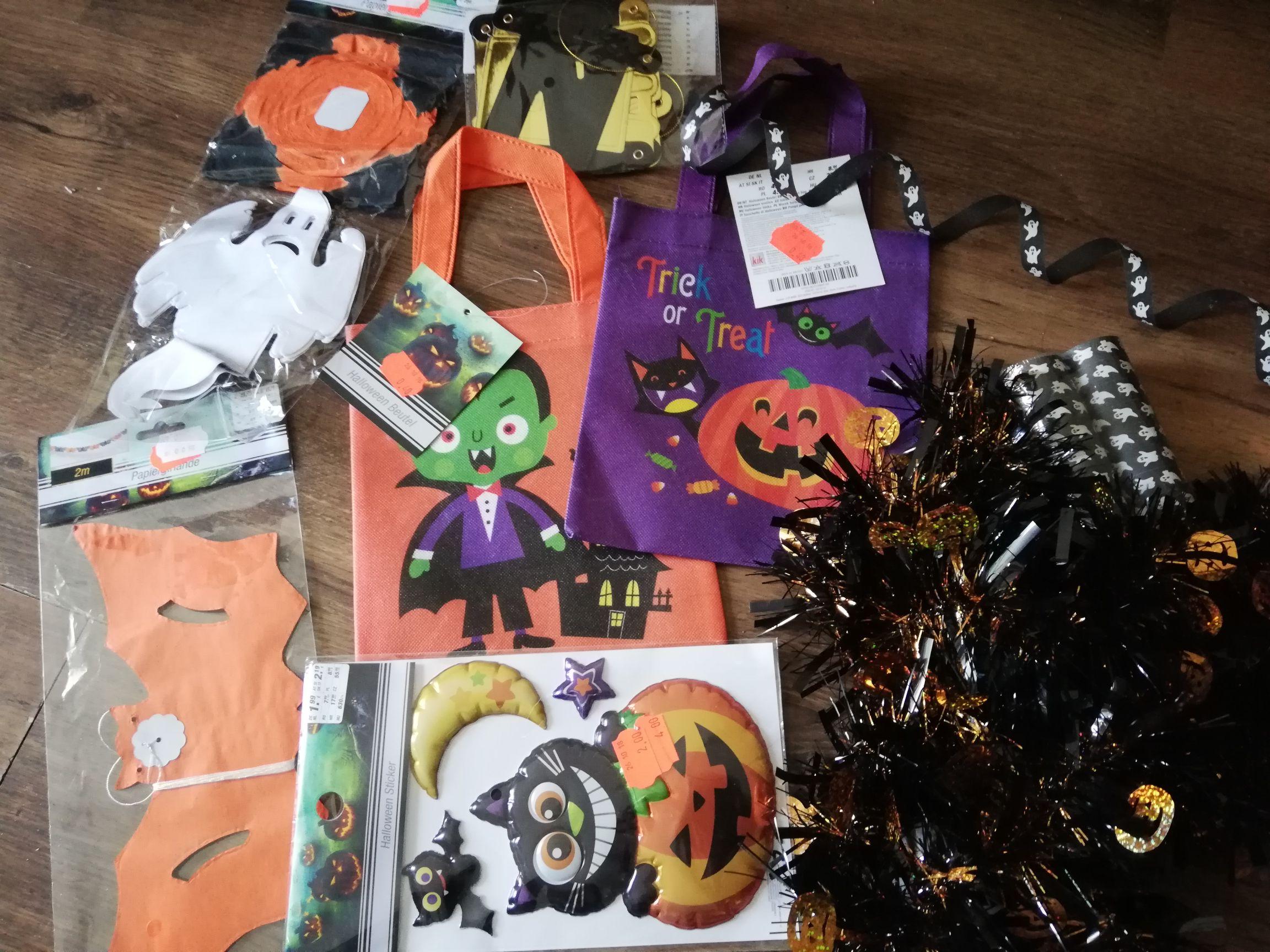 KIK-  wyprzedaż art. na Halloween 0,40 i 2,00 zł