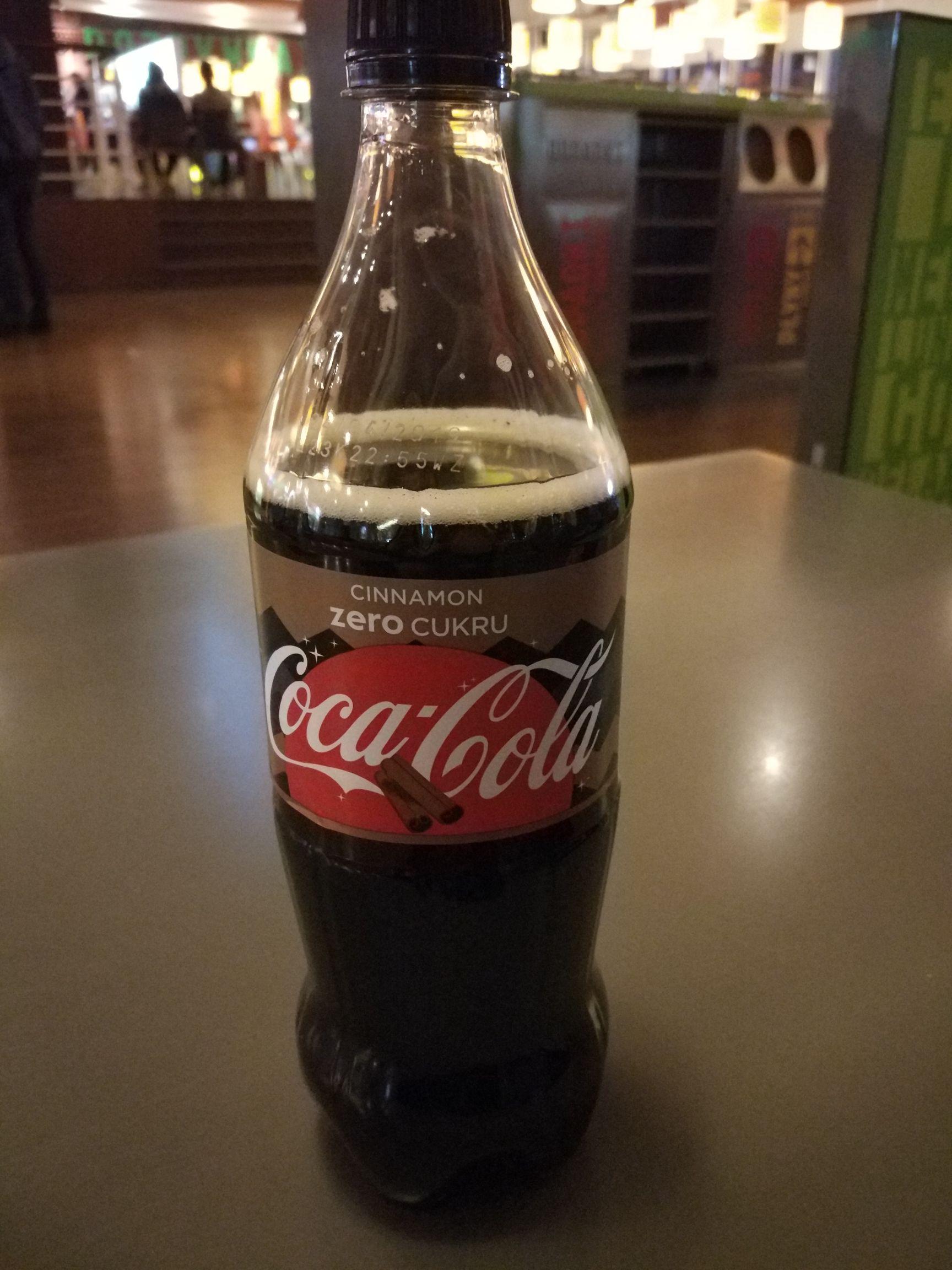 Coca-Cola Cynamonowa w Żabce Manufaktura