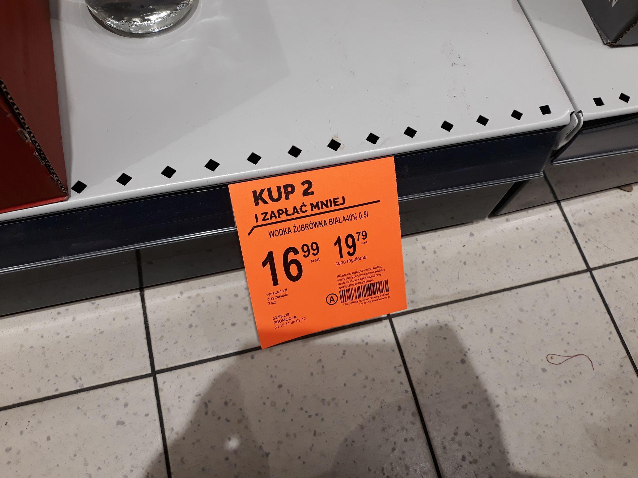 Żubrówka biała 0.5L za 16,99zł (przy zakupie dwóch) @ biedronka