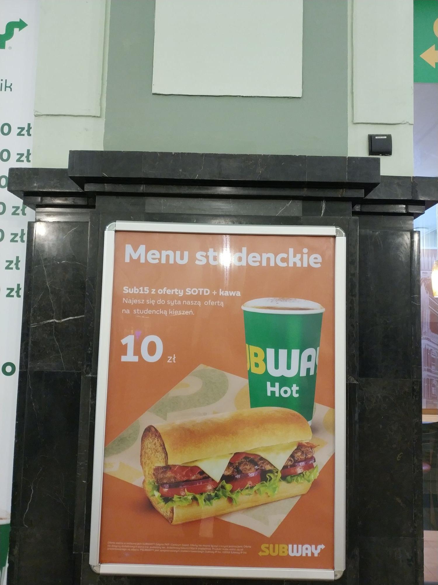 Tania kanapka + kawa w subwayu.