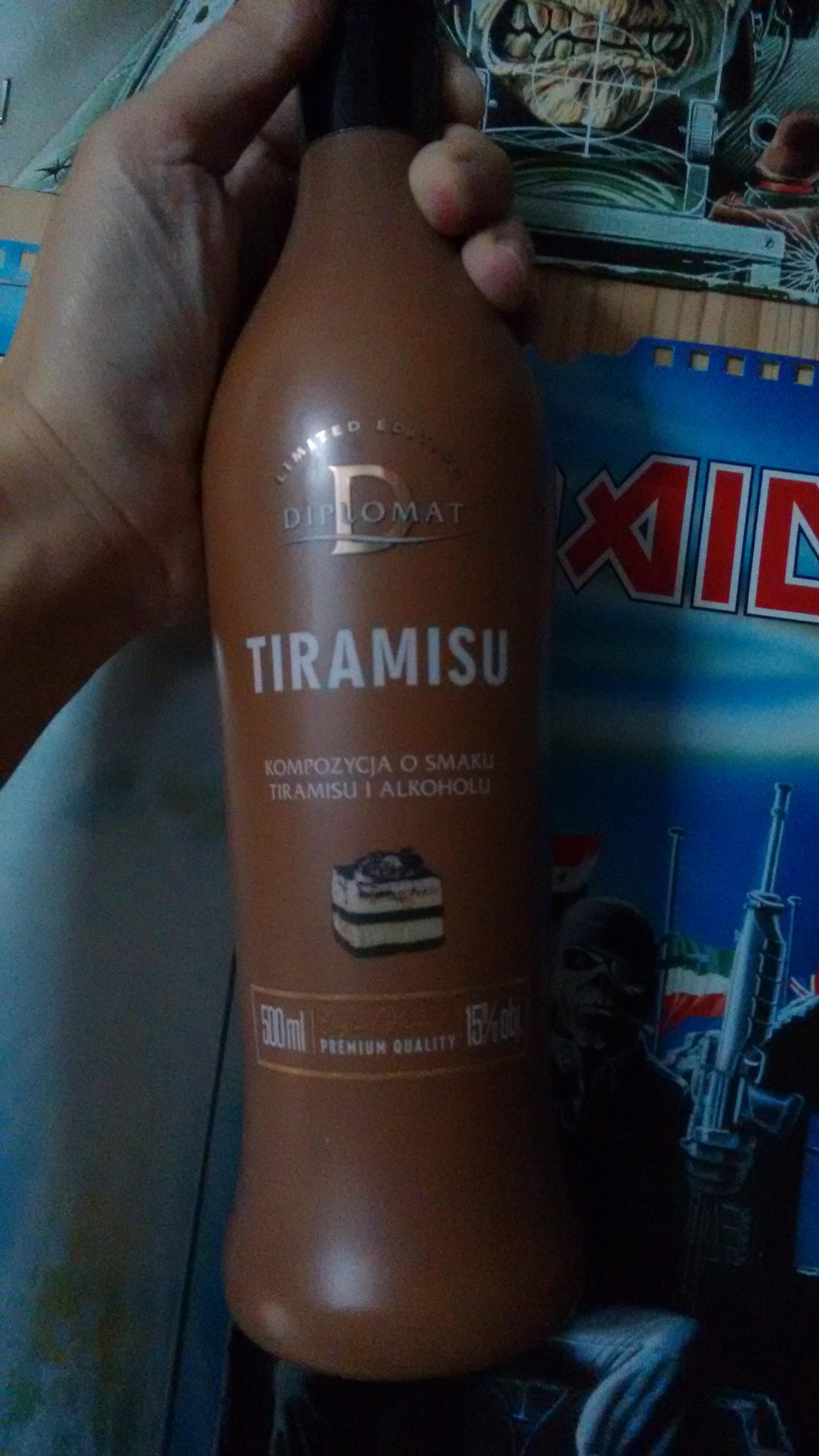 Likier w świątecznych smakach: Tiramisu, Marcepan, Pistacja, Słony Karmel, Kokos.