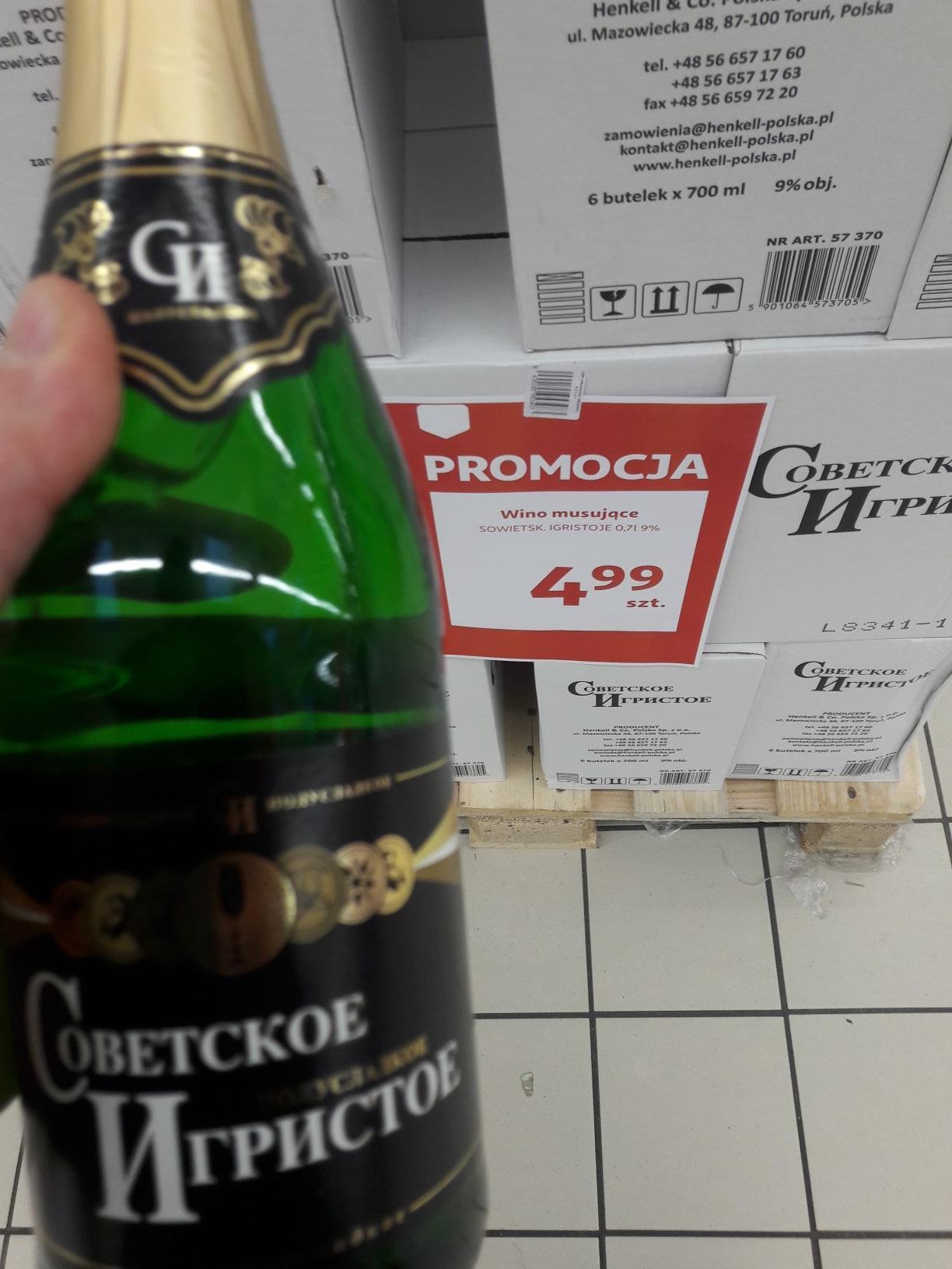 Wino musujące  Sowietskoje Igristoje 0.7 l w Auchan