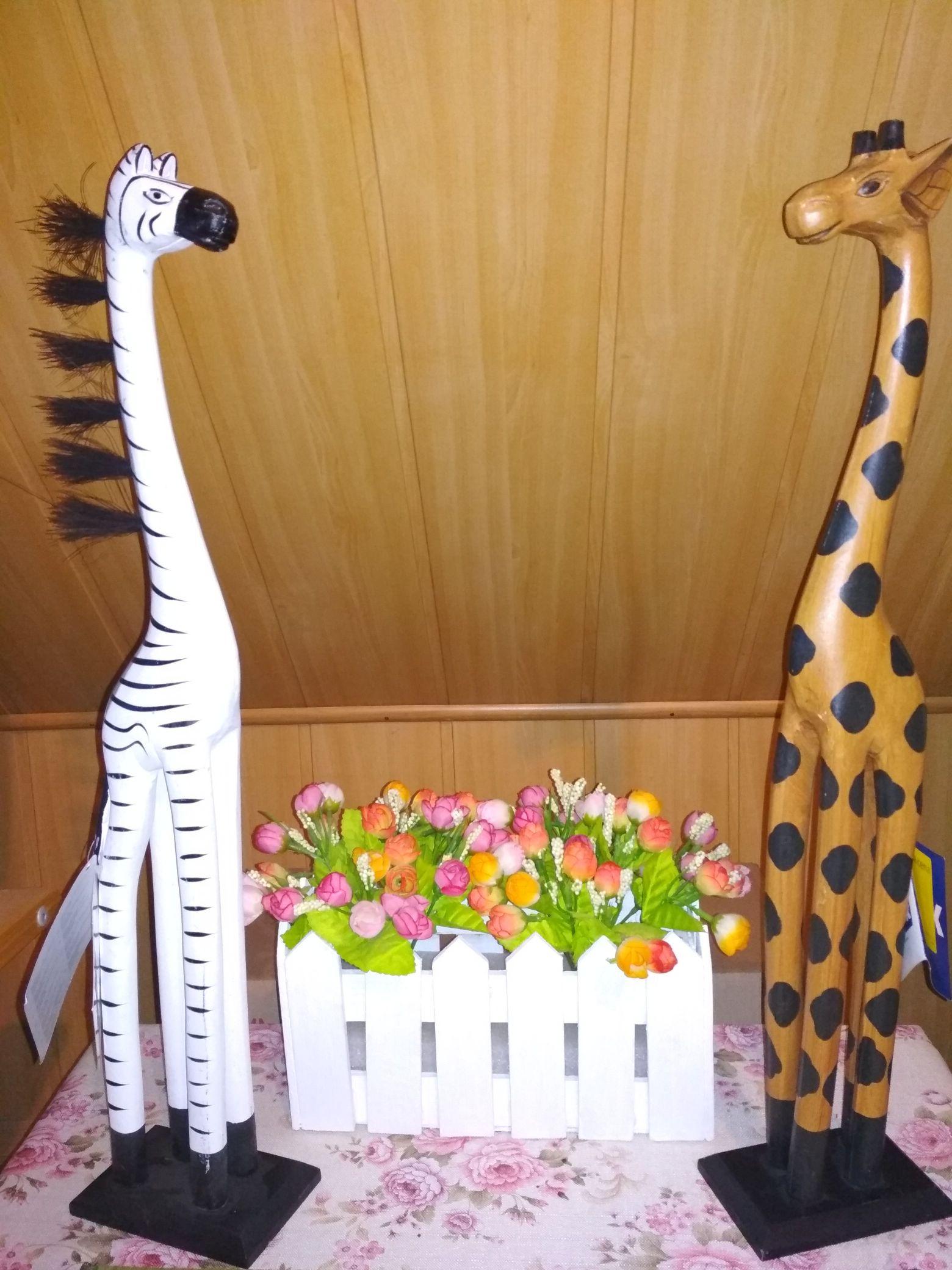 Figurki zebry i zyrafy  w Jysk