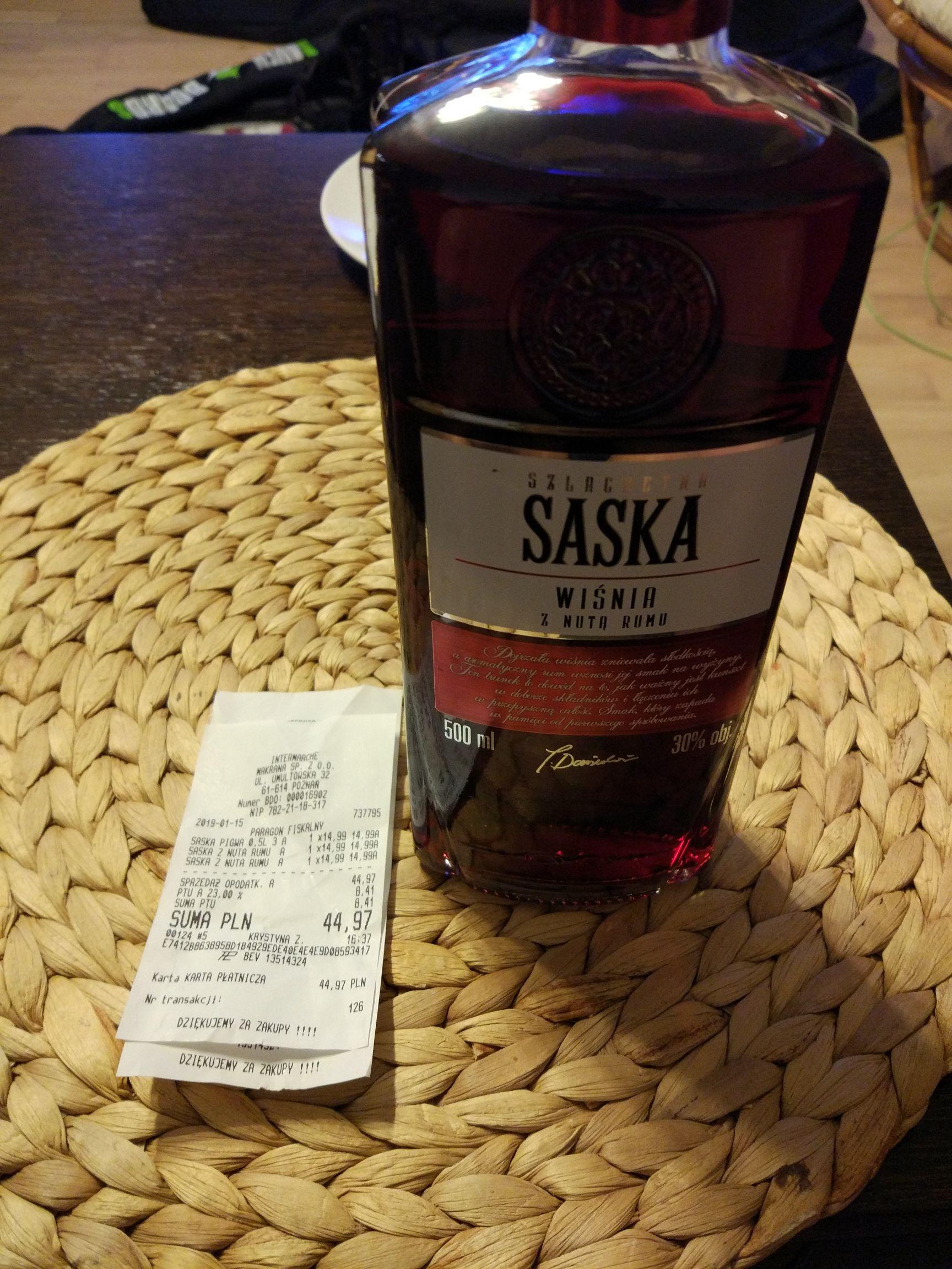 Intermarche - Likier wiśniowy z nutą rumu i pigwa 0,5l