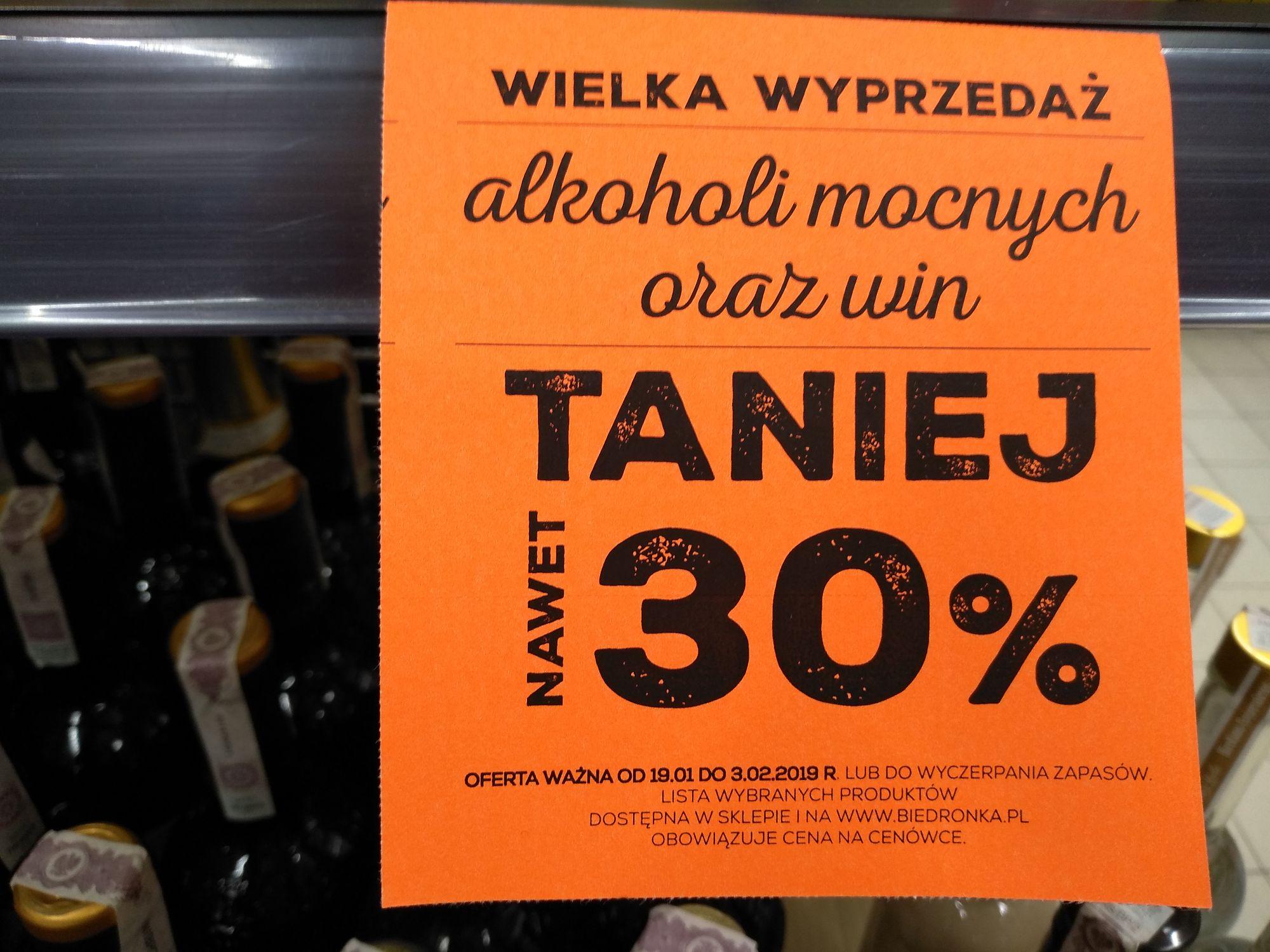 Wielka wyprzedaż alkoholi mocnych oraz win Biedronka