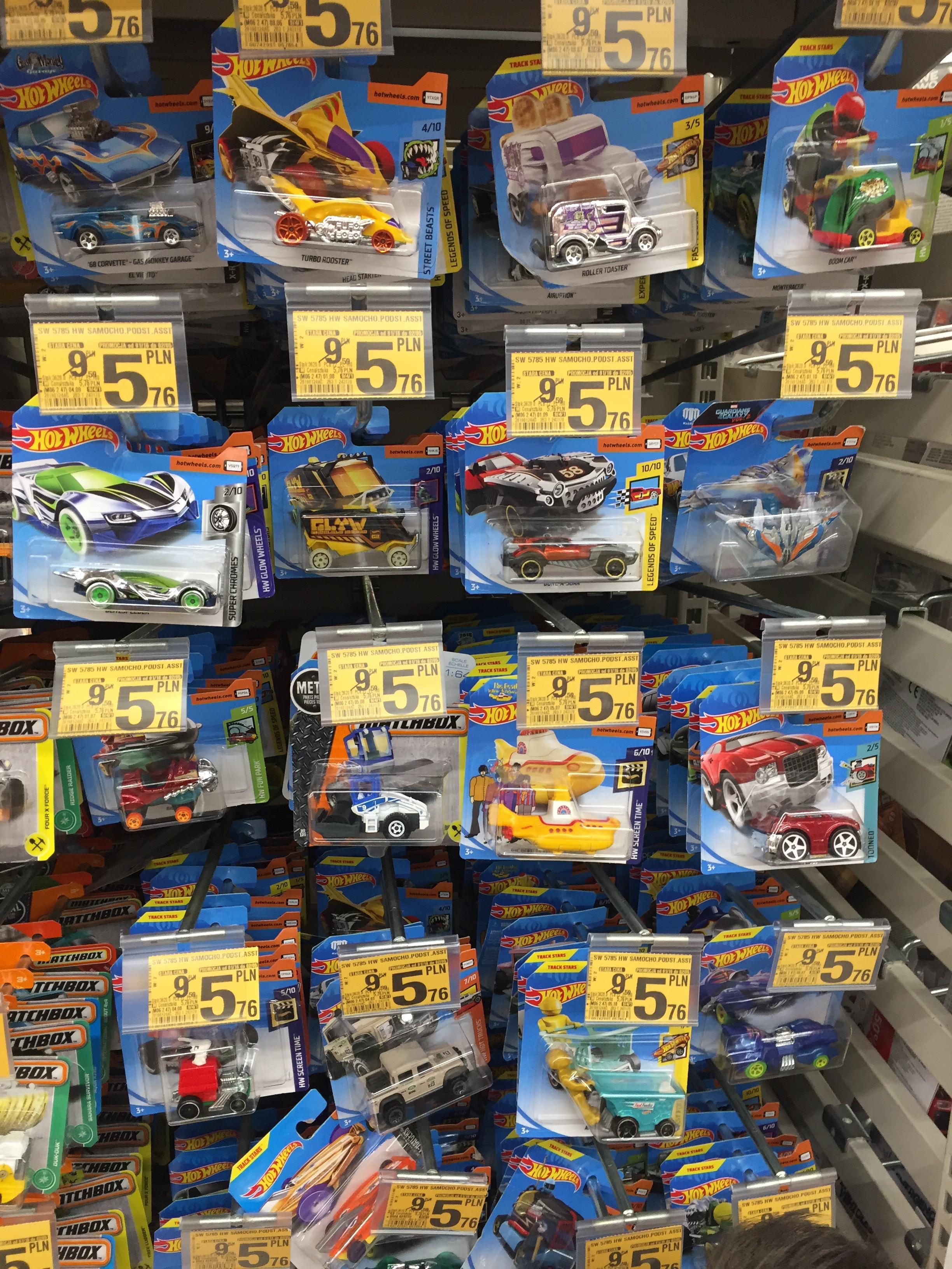 Hot Wheels samochodziki najtaniej w Auchan
