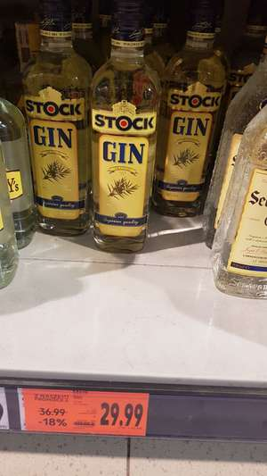 Stock gin 0.7l. Kaufland