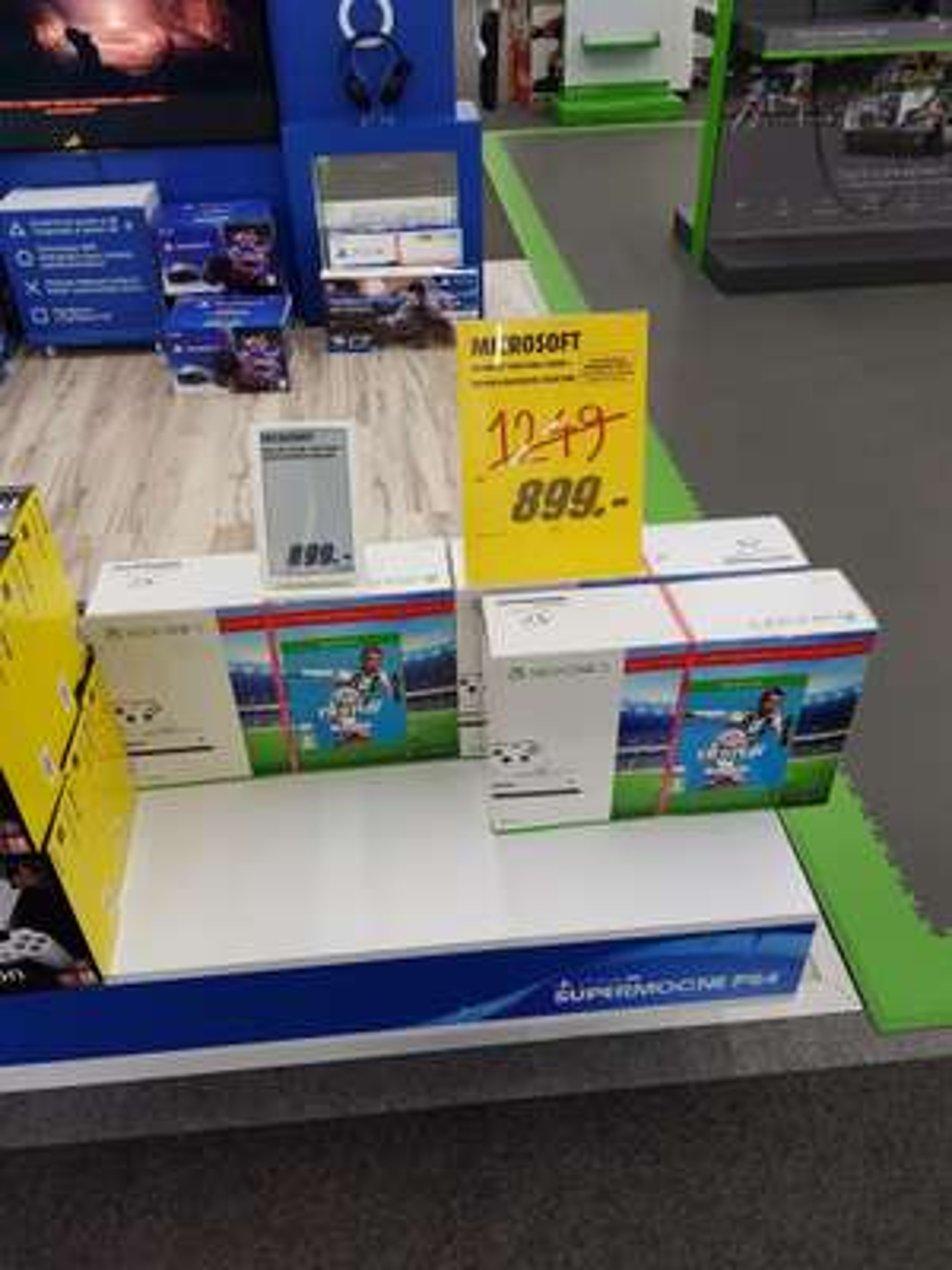 Konsola xbox one 500gb + Fifa 19