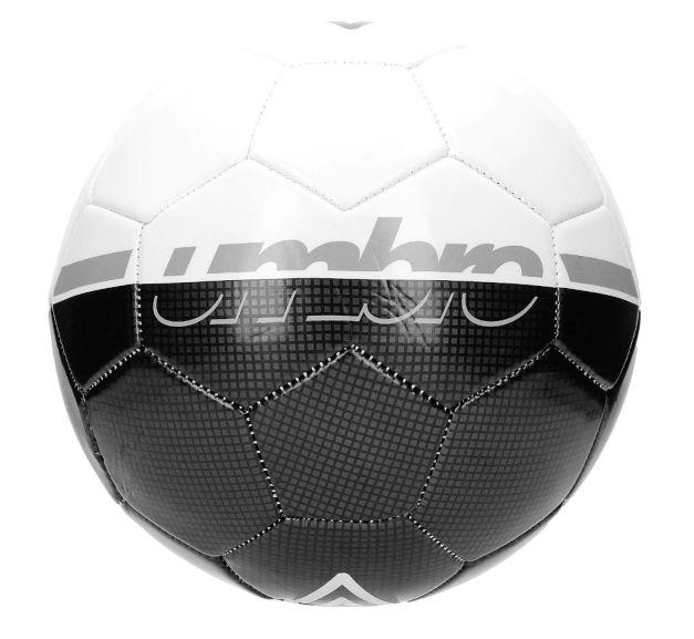 Piłka Umbro na nowy sezon, jak za darmo.