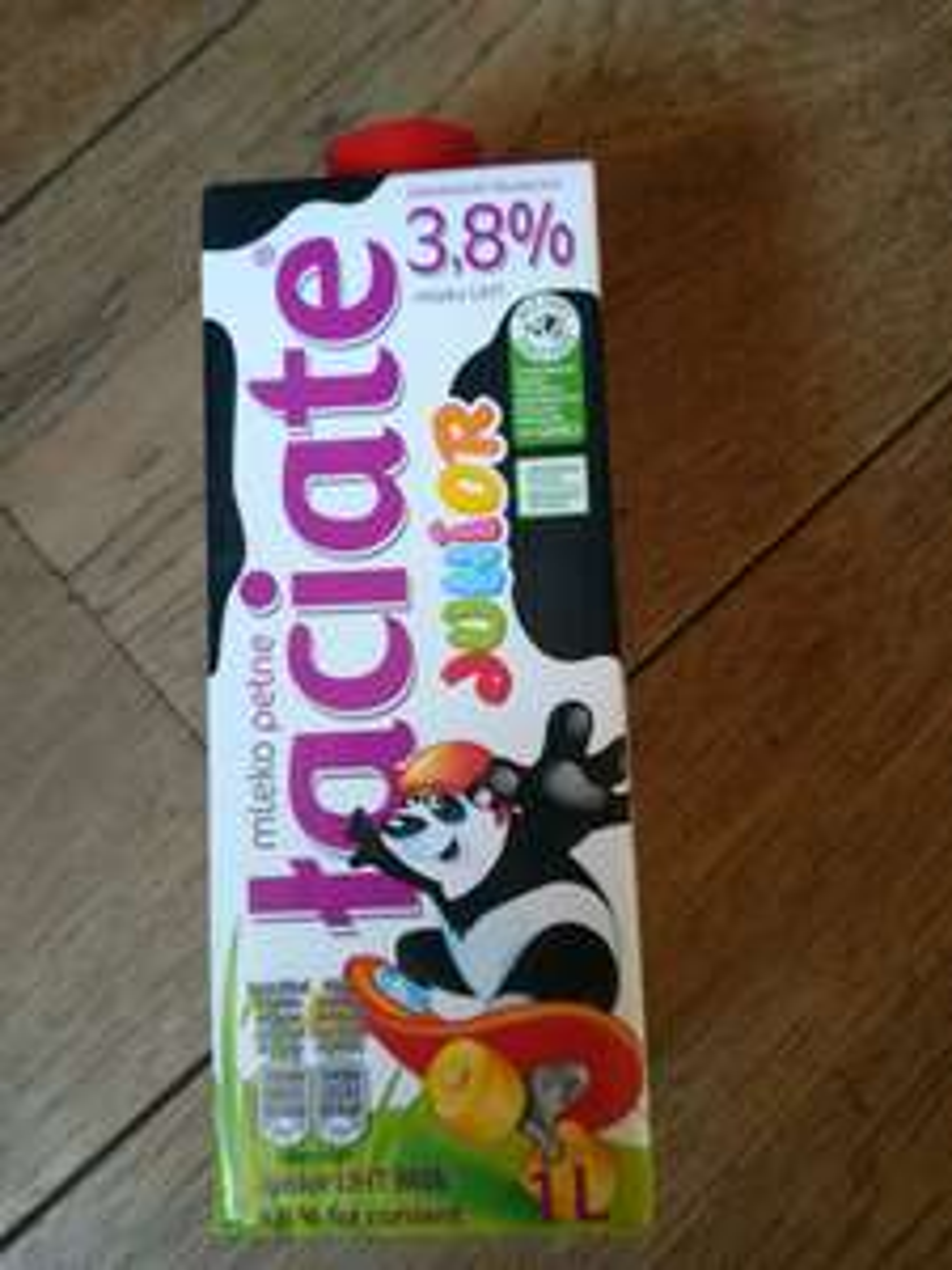Mleko Łaciate Junior 3,8% Auchan Poznań