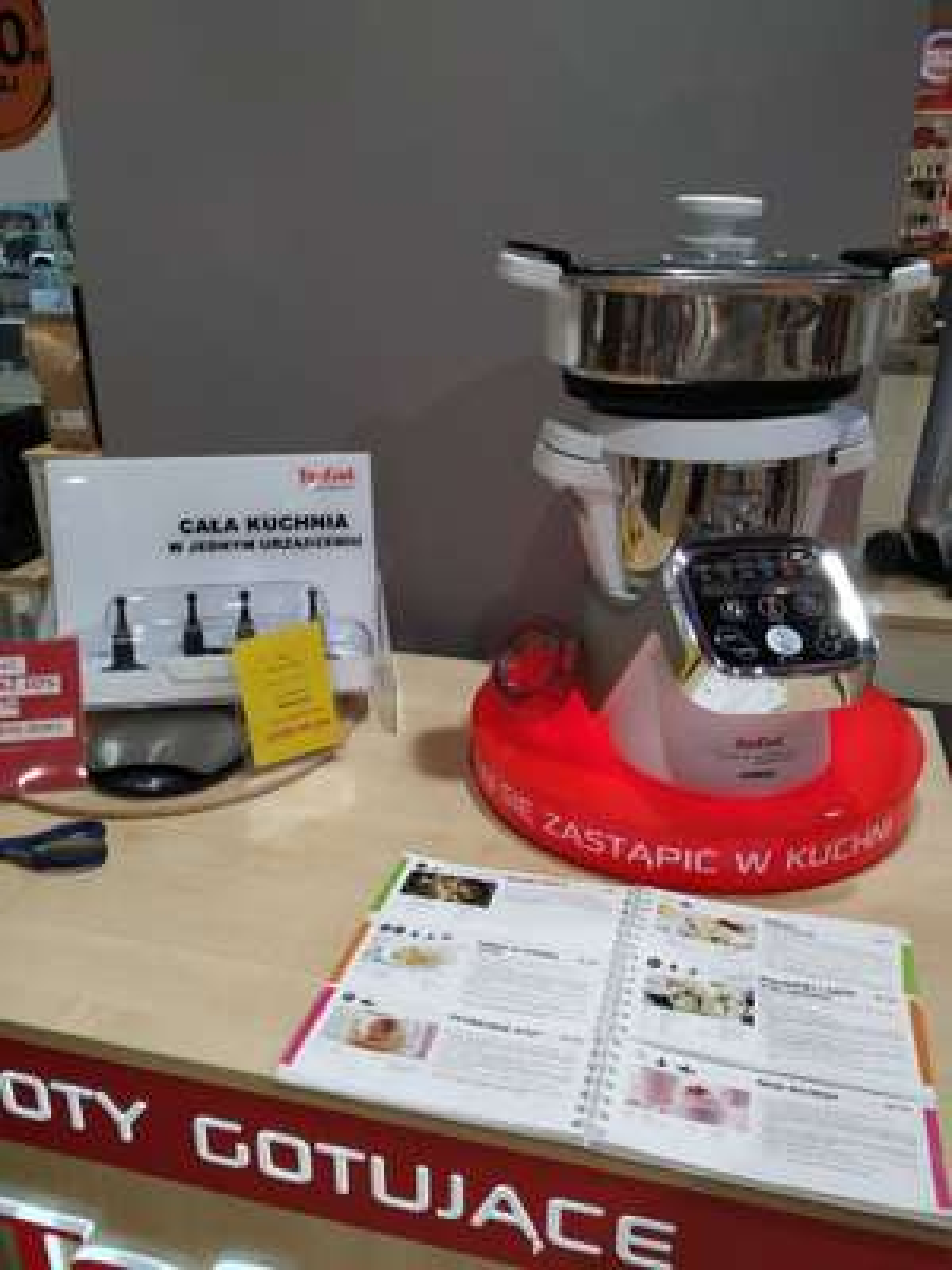 Robot kuchenny Tefal dodatkowo 500 zł  na kartę podarunkowa na następne zakupy.