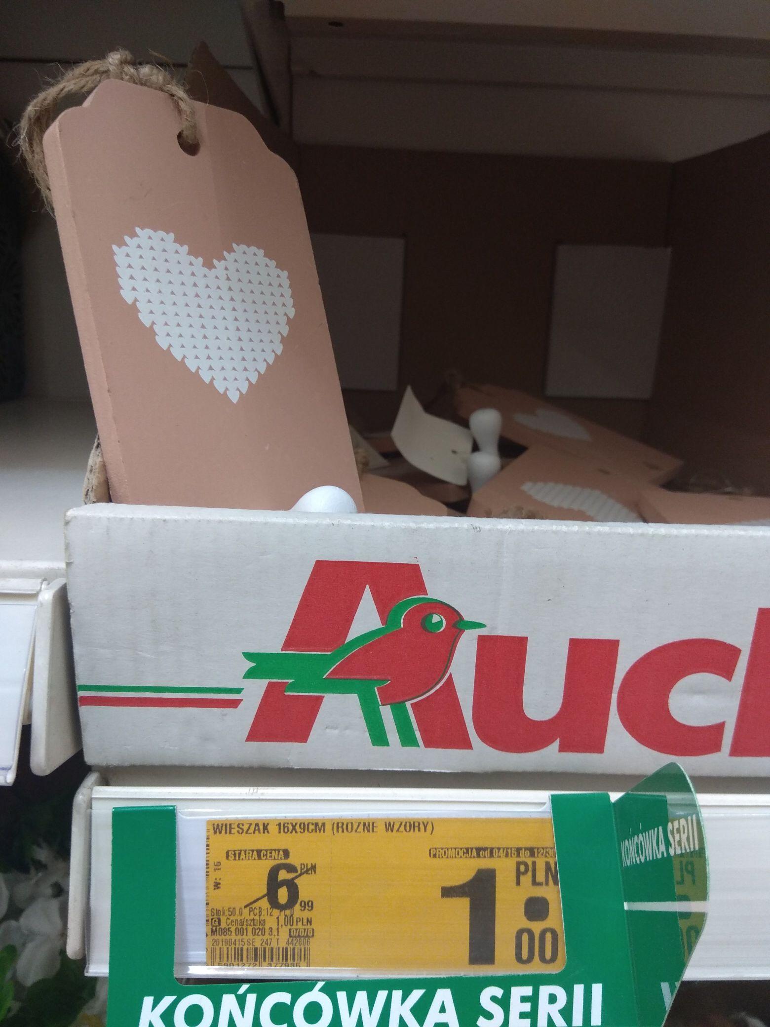 Wieszak 16x9 cm za 1 zł oraz inne akcesoria w Auchan