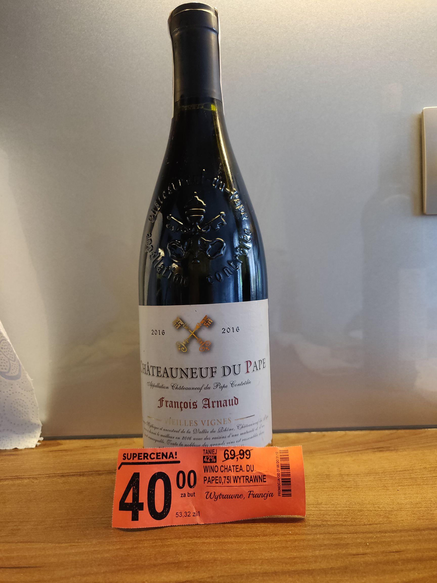 Czerwone wino Chateauneuf du Pape w Biedronce