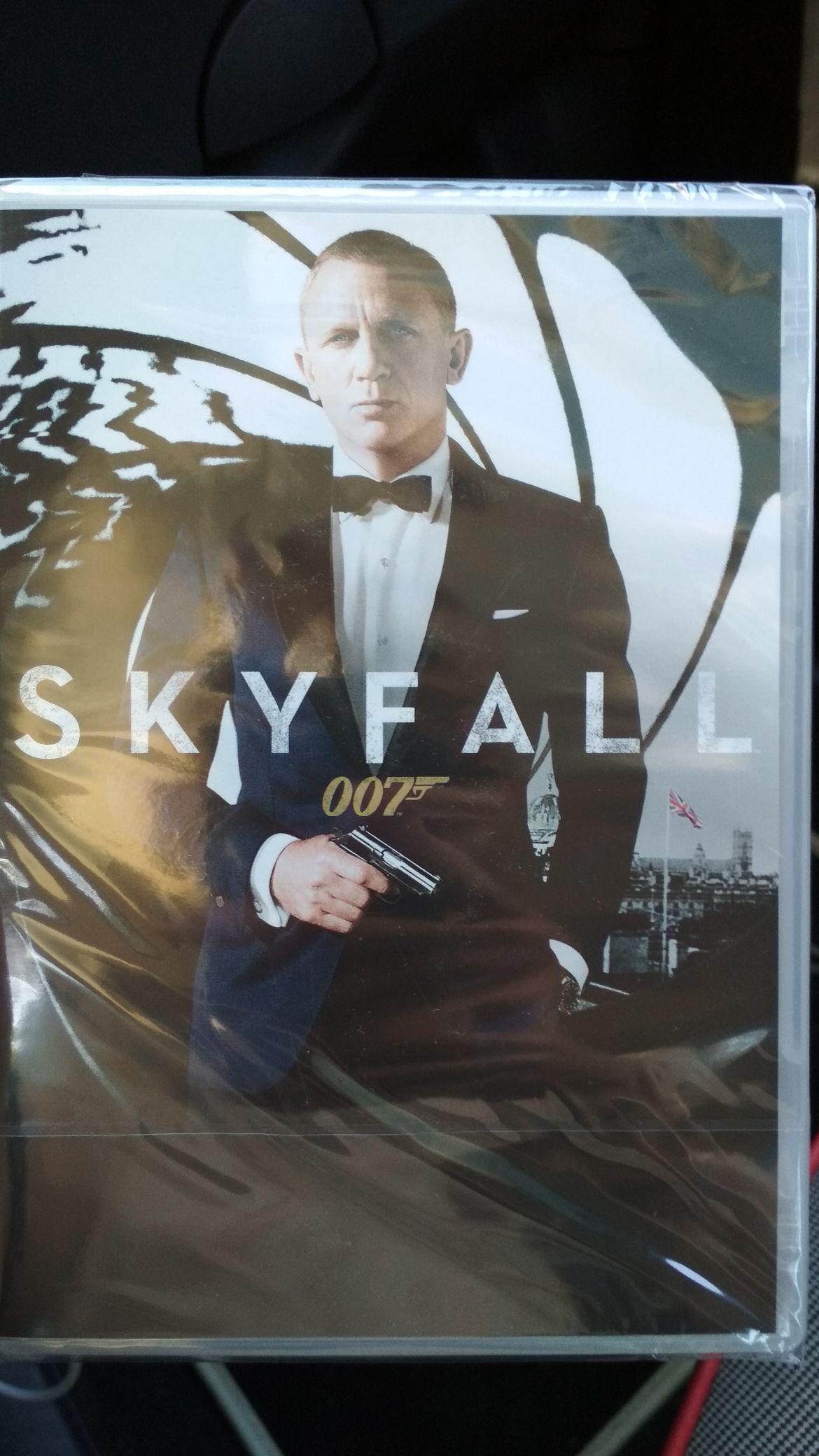 Skyfall na DVD w Piotrze i Pawle za złotówkę