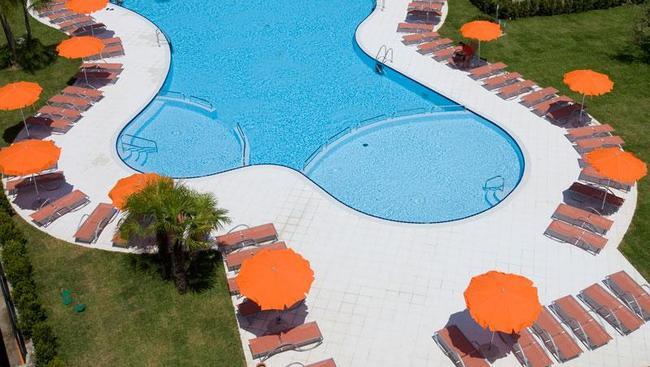 Włochy sycylia Capo Peloro Resort **** wyżywienie HB 3 osoby 5097