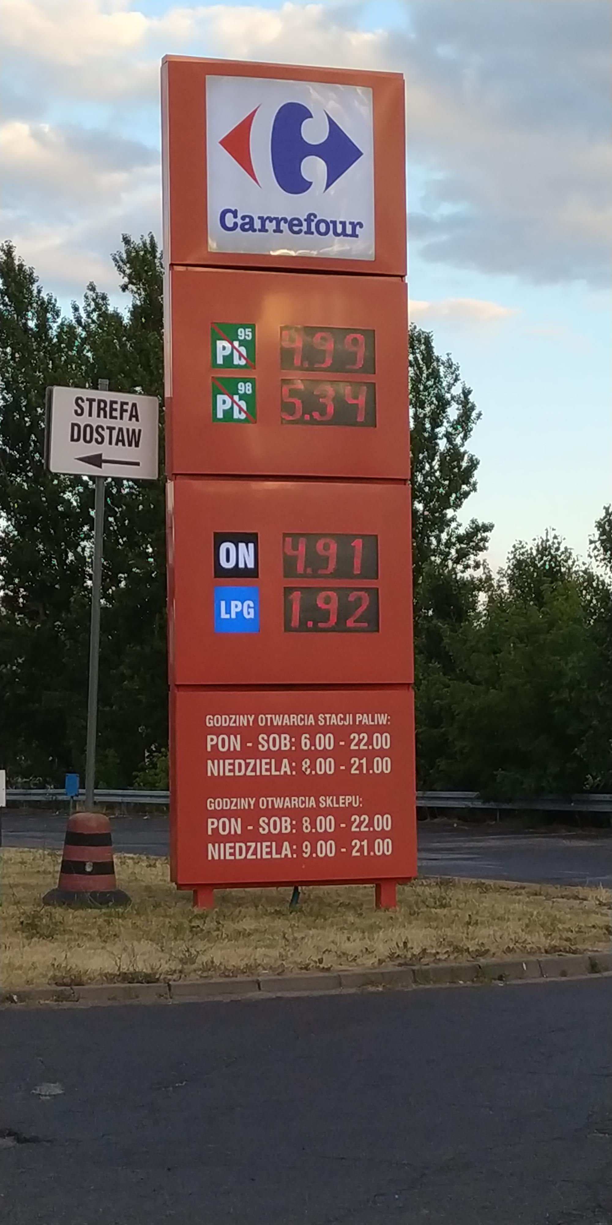 LPG 1.92, benzyna 4.99, Diesel 4.91 Carrefour ŁÓDŹ Przybyszewskiego