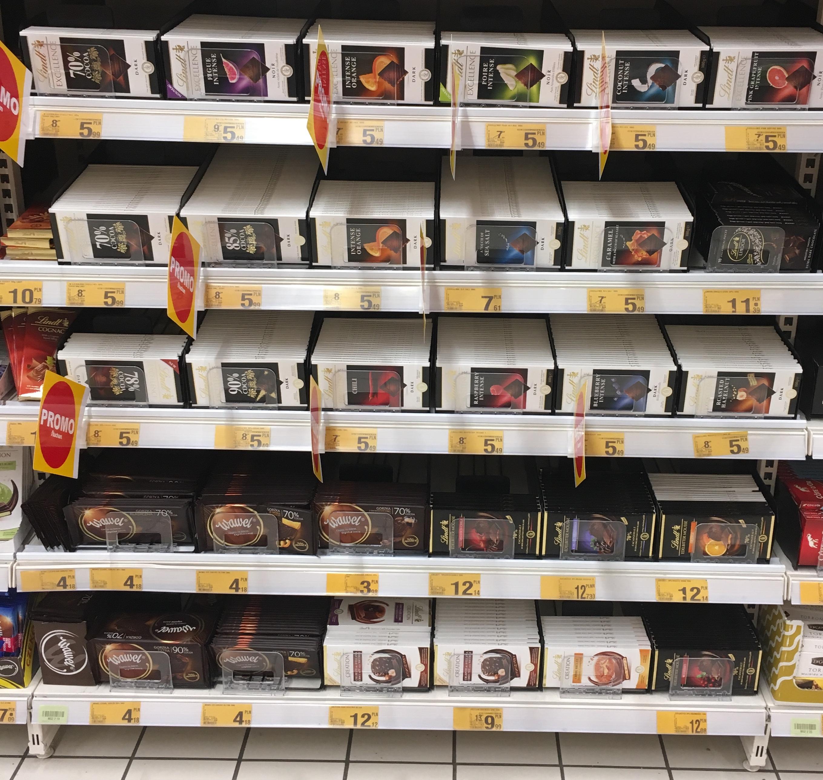 Czekolada LINDT EXCELLENCE Auchan Poznań Swadzim różne smaki po 5,49zł