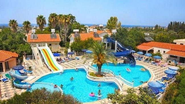 Rodzinne wakacje Cypr północny**** All inclusive 14 dni za 4 osoby 9246 a więc na jedną osobę 2311  wylot Katowice lub Warszawa 19 07