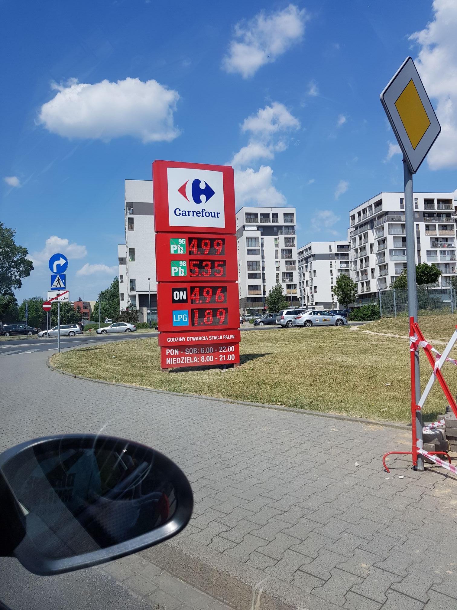 Gaz 1.89, 95 4.99 Kraków- Carrefour Czyżyny