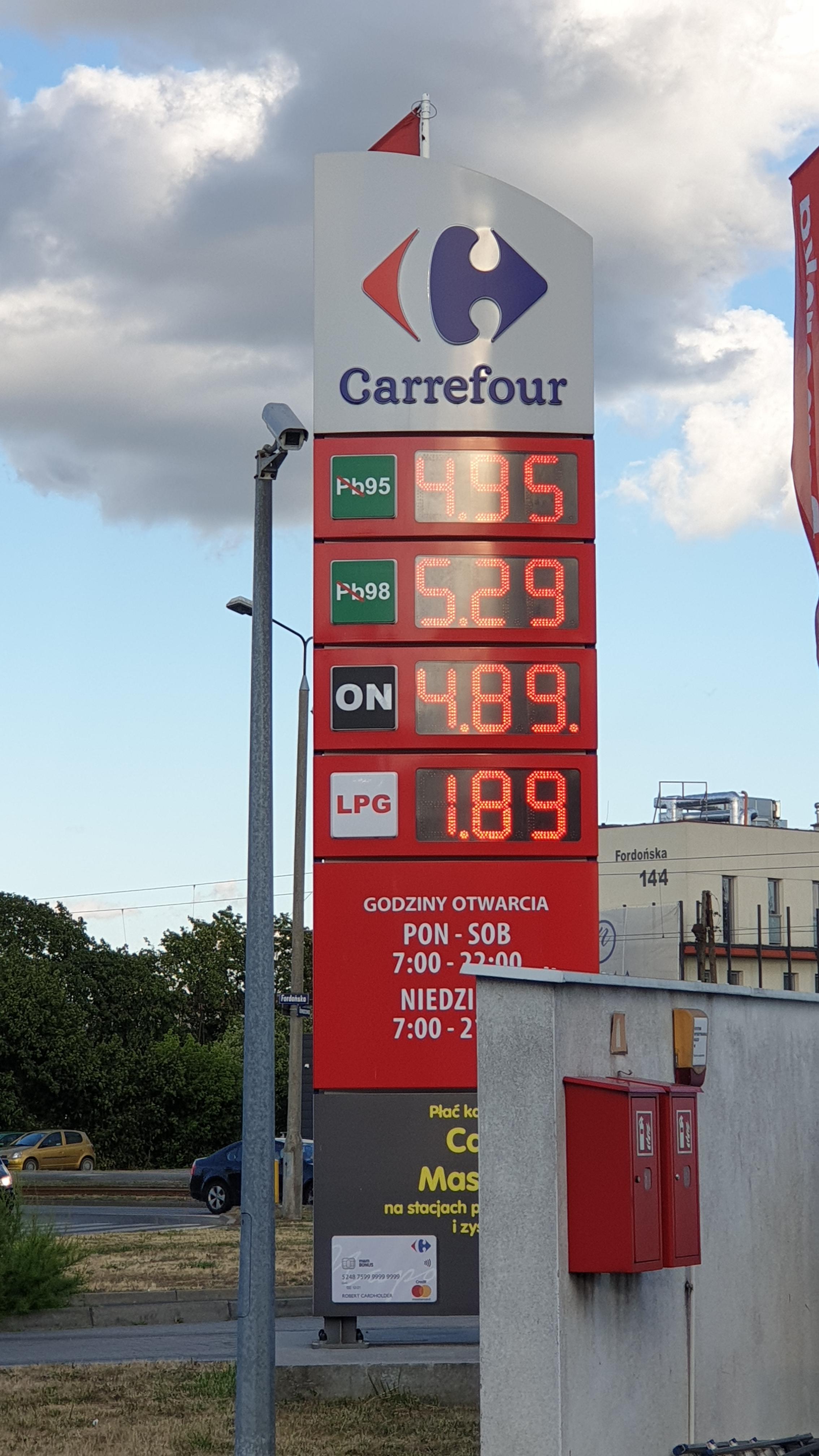 LPG 1,89zł Stacja paliw Carrefour Bydgoszcz Benzyna 4,95zł Diesel 4,89zł