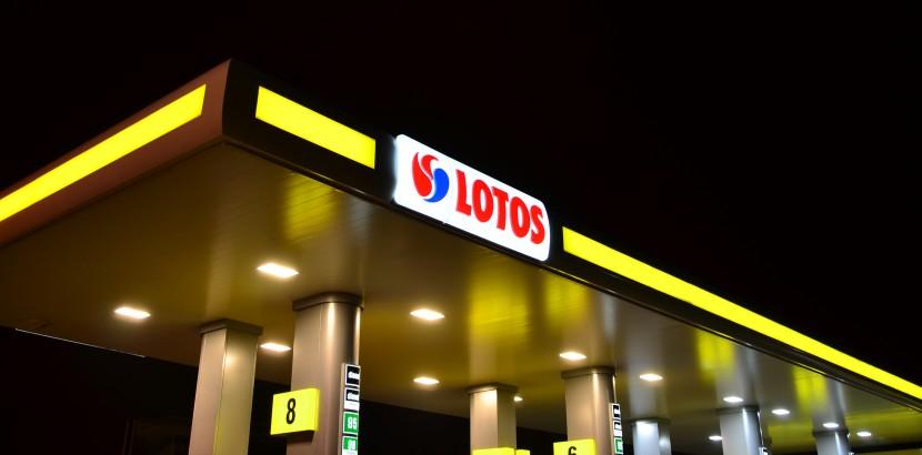 Myjnia Premium + hot dog gratis - 21,99 zł @ Lotos