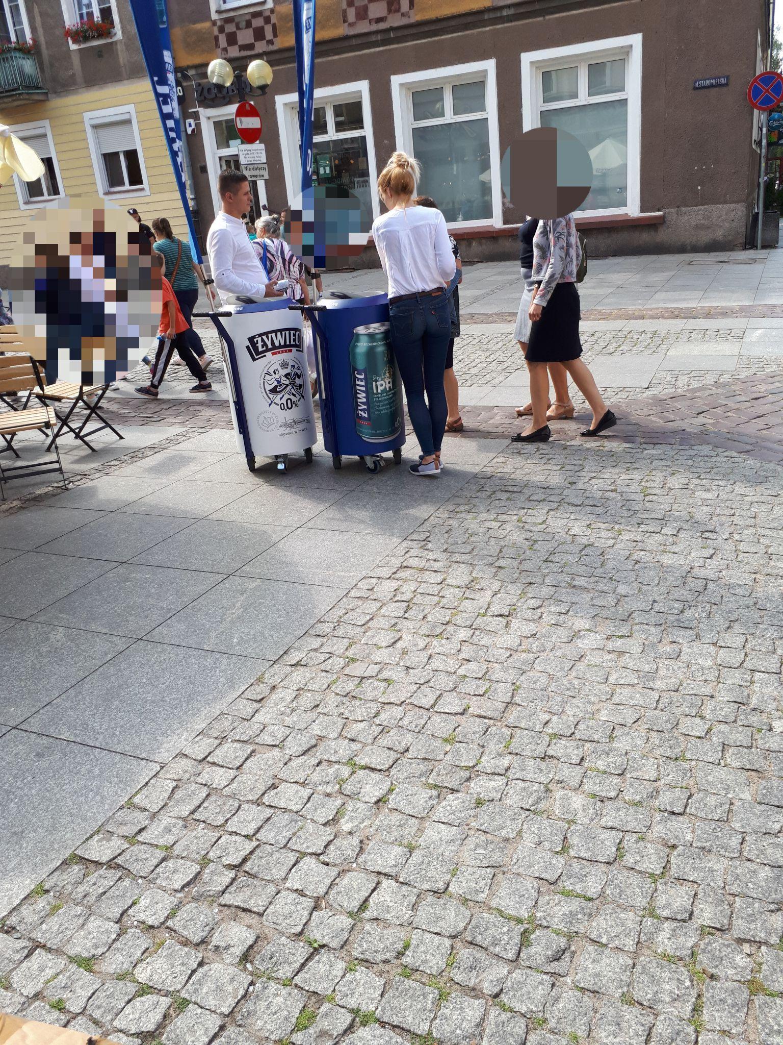Dwa rodzaje Żywiec 0.0% za darmo w Olsztynie na starym mieście