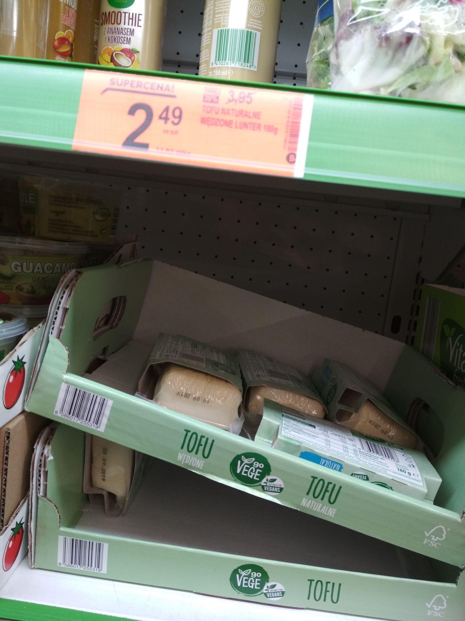 Tofu naturalne 2,49 zł/180 gram Biedronka