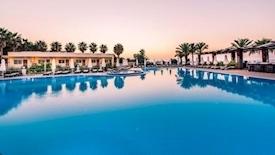 Cypr 3 oferty na Jesień Wrzesień od 1895 do 2376 hotele od 3* do 5* All inclusive