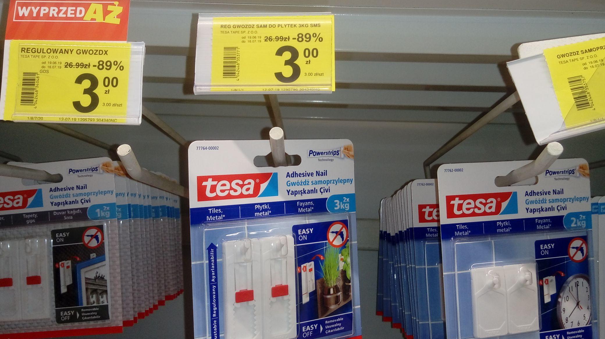 Carrefour - Tesa śruby i gwozdzie samoprzylepne.