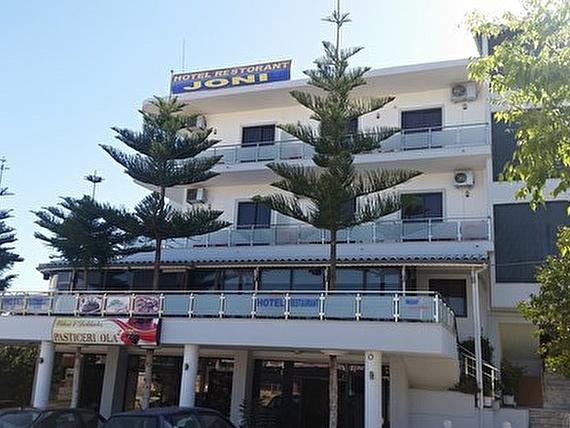 Albanii: 3* hotel z HB za 889 zł Wylot 25 września z Katowic