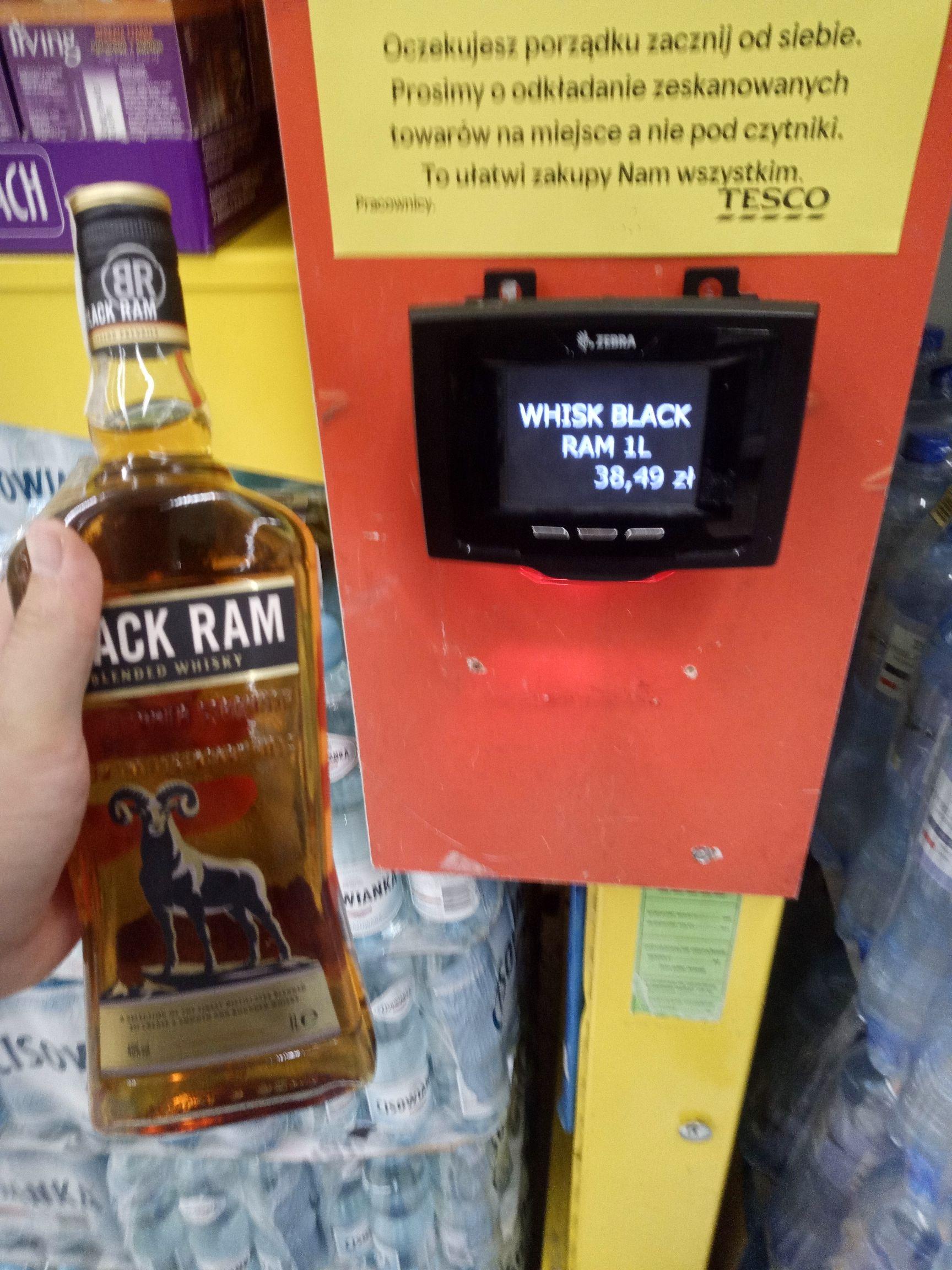 Whiskey BLACK RAM 1 litr Tesco