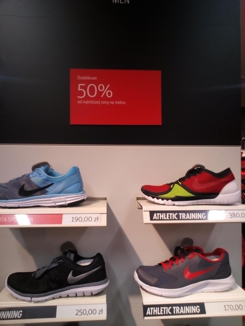 50% rabatu na WSZYSTKIE buty w outlecie Nike w Factory Outlet (Poznań Luboń)